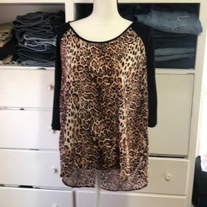 Women's leopard print top. XL
